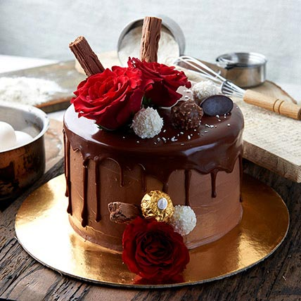 Ferrero Rocher Cake: Send Cakes to Bahrain