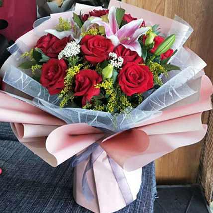Beautiful Roses and Lily: Send Flowers To China