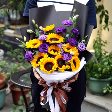 Sunflowers and Eustomas: Send Gifts To China