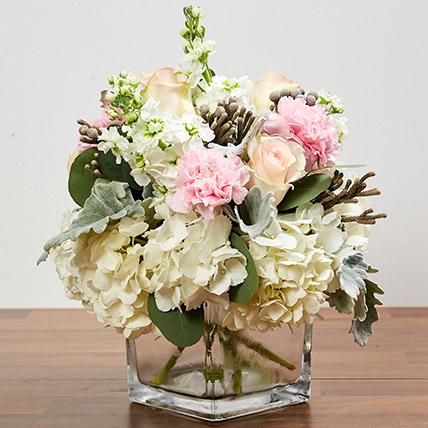 Enchanting Flower Vase Arrangement: Wedding Flower Arrangements