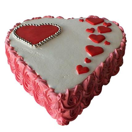 Heartshape Love Cake: Valentine Cakes to Al Ain
