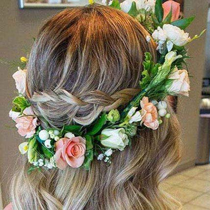 Look Beautiful Tiara: Flower Jewellery