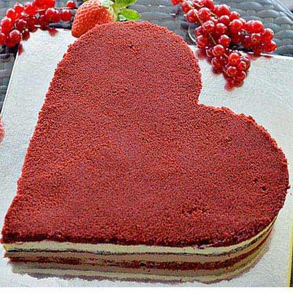 Romantic Velvet Cake: Valentine Cakes to Ras Al Khaimah