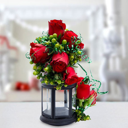 Joyful Gesture Bouquet: Christmas Flowers to Ras Al Khaimah