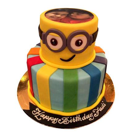 Bob the Minion Cake: Cartoon Cake