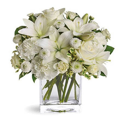 White Beauty: Anniversary Flowers for Parents