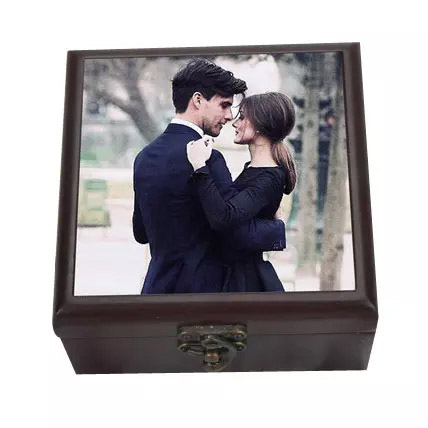 Personalized Wooden Box: Personalised Gifts to Ras Al Khaimah