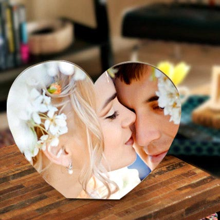 Heart Shaped Personalized Frame: Personalised Gifts to Ajman