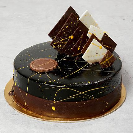 The Noir: Birthday Cakes for Kids
