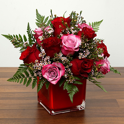Red and Pink Roses In A Vase: Valentines Day Flowers for Boyfriend