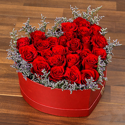 Red Roses In Heart Shape Box: Valentine Day Roses