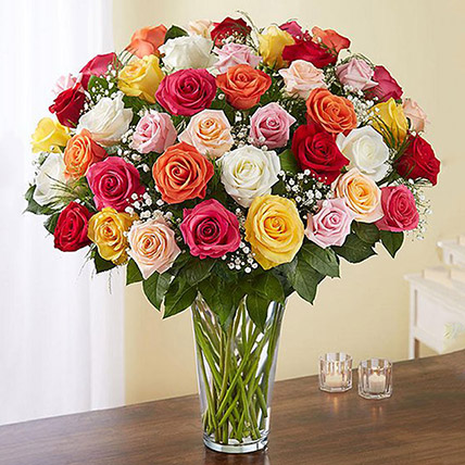 Bunch of 50 Assorted Roses In Glass Vase: Flower Arrangements