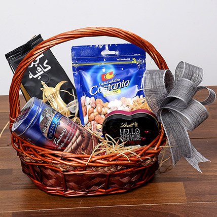 Snack and Sweet Basket: Birthday Gifts for Girlfriend