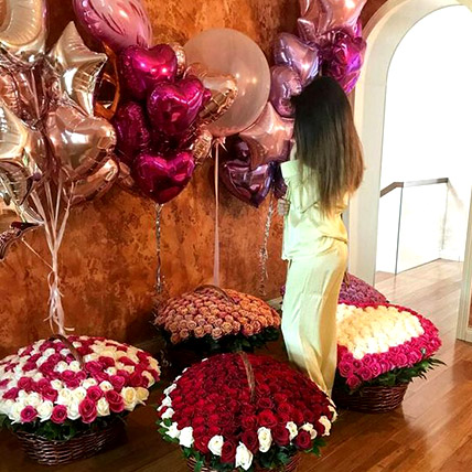 Helium Magic With Baskets Of Flowery Love: Gifts for Husband
