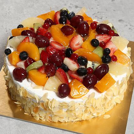 Fresh Fruit Fantasy: Cakes Delivery in Dubai