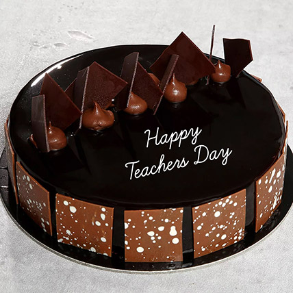 Teachers Day Choco Fudge Cake: Teachers Day Gifts