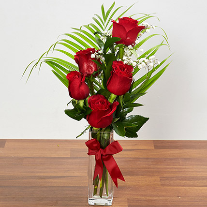 Beautiful Red Rose Arrangement: Flower Arrangements