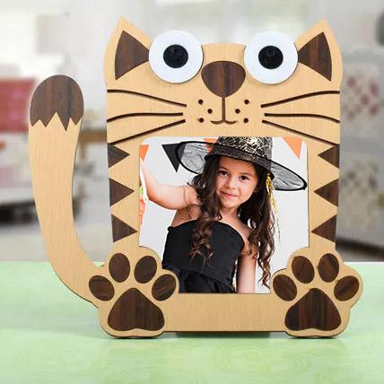 Cat Shaped Photo Frame: Personalised Photo Frames