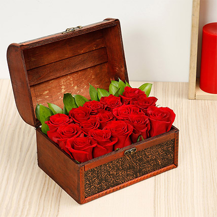 Treasured Roses: Flower Box Dubai