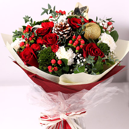 Christmas Themed Floral Bouquet: Christmas Flowers