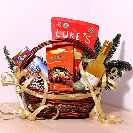 Cookie And Snack Basket: Chocolates