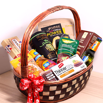 Sweet And Salty Treats Basket: Christmas Gift Hampers