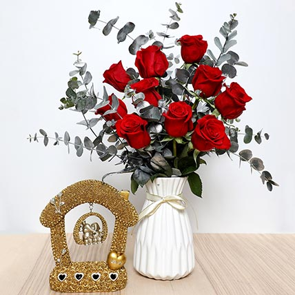 Red Roses Ceramic Pot  and Couple Idol: Valentine Gift Hampers to Fujairah