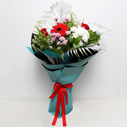 Majestic Flower Bouquet: Fathers Day Flowers to Sharjah