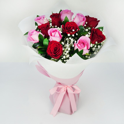 Pink and Red Roses Grand Bouquet: Flower Delivery In Umm Al Quwain