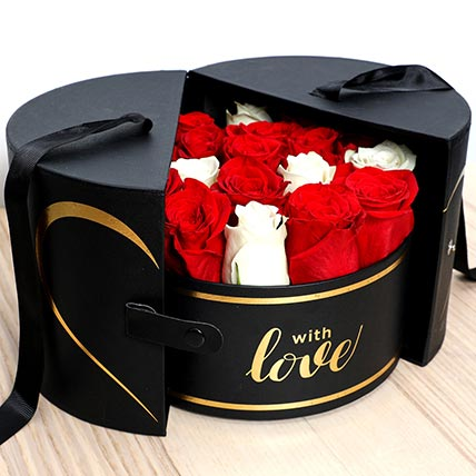 Luxurious Box Of Roses: Valentines Day Gifts For Him
