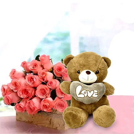Perfect Fantasy: Flowers with Friendship Day Teddy Bear