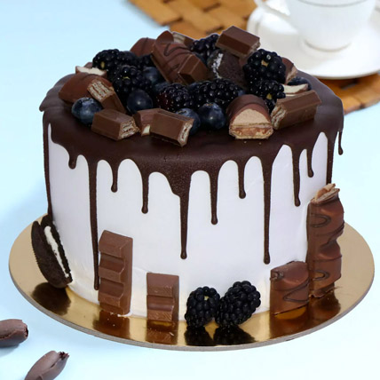 Delicious Choco Vanilla Cake: Send Birthday Gifts