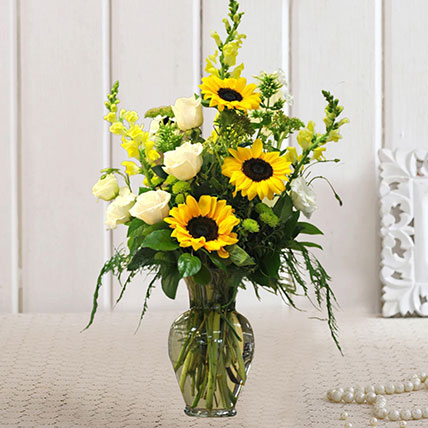 Refreshing Mixed Flowers Glass Vase: Sunflowers Bouquets