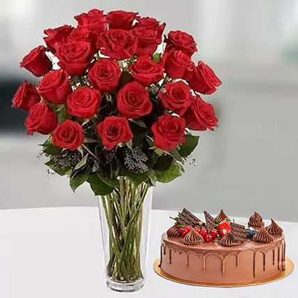 Pure Romantics: Cake and Flower Delivery in Dubai