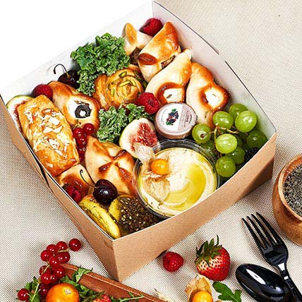 Breads and Dips Breakfast Box: