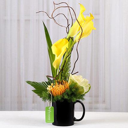Lovely Calla Lilies Black Mug: