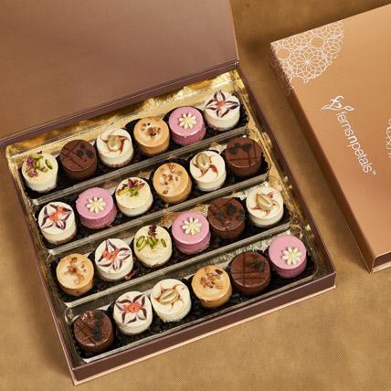 Bite Size Cheese cake Medium Box: Cheesecakes Delivery Dubai