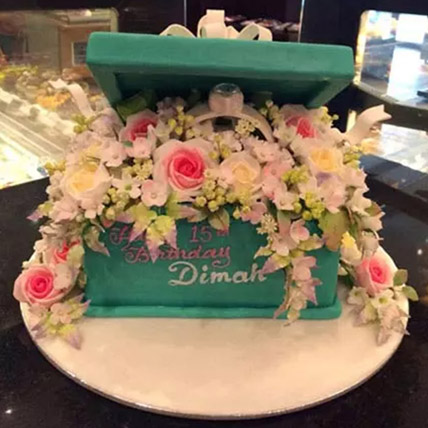 Chest Of Emotions Cake: Unique Gifts Dubai