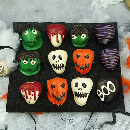 Faces and Eyes Strawberries: Halloween Baskets