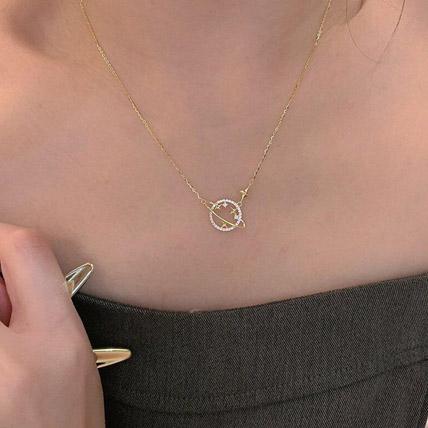 Planet Necklace: Accessories