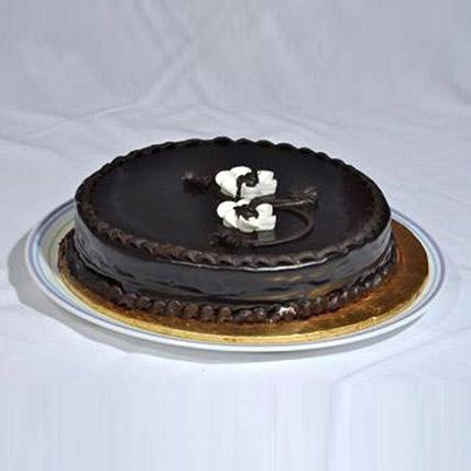 Delicious Chocolate Fudge Cake: Send Cakes To Pakistan