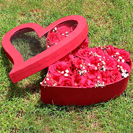 Red Heart Box Of Red Roses: Send Gifts To Pakistan
