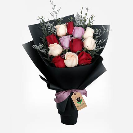 Elegant Roses Bunch: Gift Delivery in Qatar