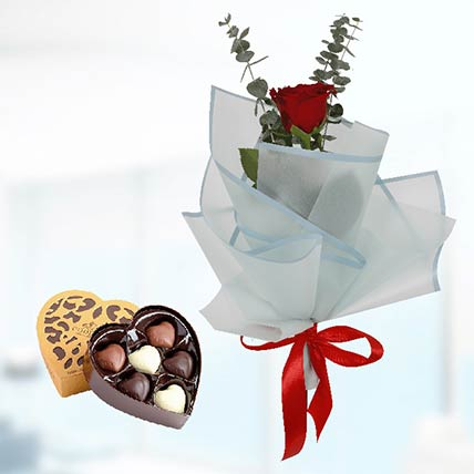 Red Rose Blue Wrap & Godiva Chocolates: Chocolates