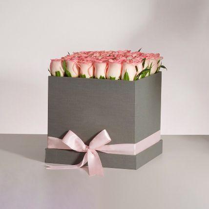 Premium Pink Roses Box Arrangement: Send Gifts to Saudi Arabia