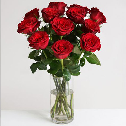 Dozen Of Burgundy Roses: Send Gifts to UK