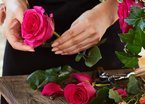 Care guide to keep cut flowers fresh for a long time