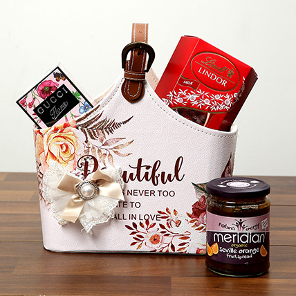 Gift Hampers for Valentines Day