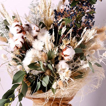 Online Graceful Dry Flower Bouquet Gift Delivery In Uae Ferns N Petals